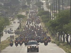 Evento saiu de Fortaleza, às 8h, com destino a Canindé, percurso de 120 quilômetros (Foto: TV Verdes Mares/Reprodução)