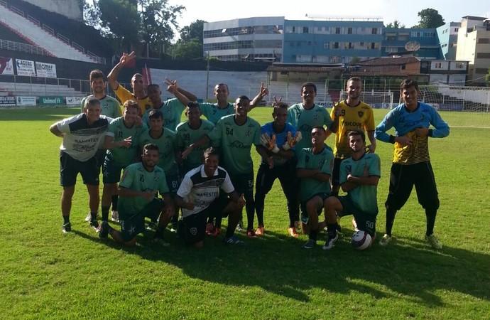 Técnico Fábio Índio com os jogadores do Estrela do Norte (Foto: Arquivo Pessoal)