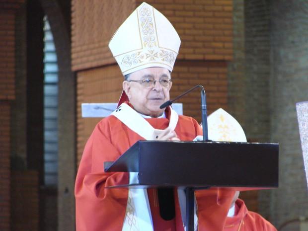 Dom Raymundo Damasceno durante celebração no Santuário Nacional. (Foto: Renato Ferezim/G1)