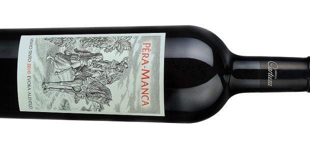 Garrafa da safra 2010 do vinho português Pêra-Manca, importado pela Adega Alentejana (Foto: Divulgação)