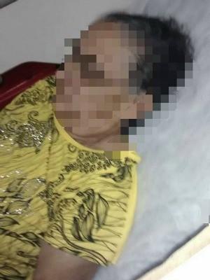 Senhora de 80 anos desmaiou ao receber mandado de prisão (Foto: Washington Luís/Arquivo pessoal)