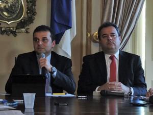 Secretários de da Fazenda, Márcio Stefanni, e de Planejamento e Gestão, Danilo Cabral, detalham proposta do Executivo (Foto: Katherine Coutinho / G1)