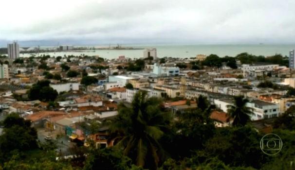 Cidade de Maceió amanheceu chuvosa e escura nessa quinta-feira (02) (Foto: Reprodução/ Rede Globo)