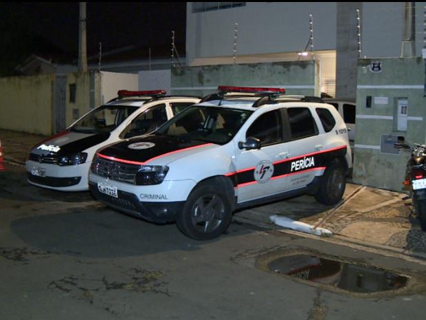 Bandidos rendem corretor de imóveis em bairro de Campinas (Foto: Reprodução/EPTV)