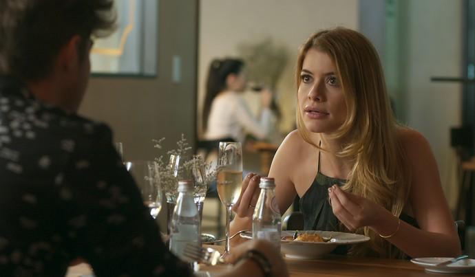 Diana manda a real para Léo (Foto: TV Globo)