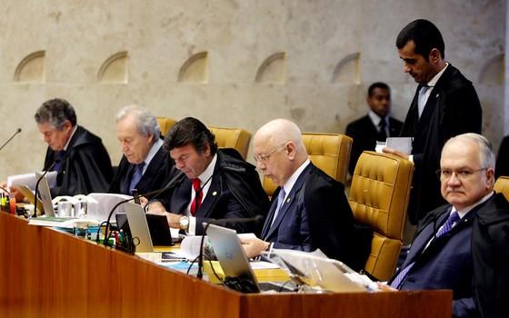 Supremo Tribunal Federal realiza sessão plenária, para julgar a liminar concedida pelo ministro Marco Aurélio Mello, que afastou do cargo o presidente do Senado, Renan Calheiros  (Foto:  )