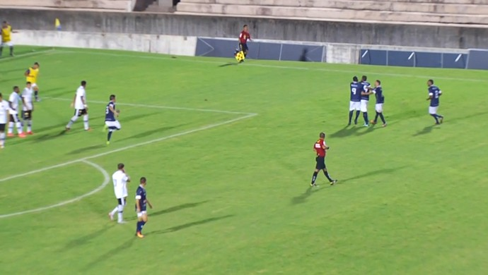 São Francisco-PA x Botafogo-PB, Colosso do Tapajós (Foto: Reprodução / TV Tapajós)