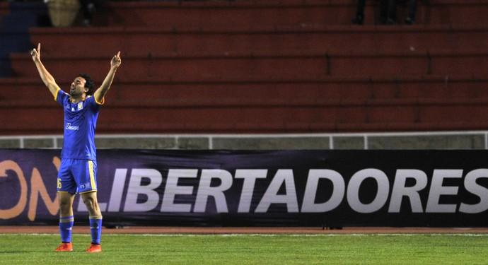 Esqueda comemora Universitario Sucre x Tigres (Foto: AIZAR RALDES / AFP)