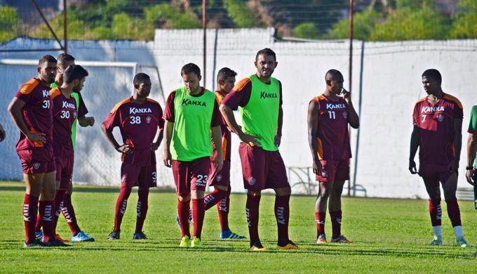 Boa Esporte treina na academia do CT da Rua Paraná (Foto: Régis Melo)