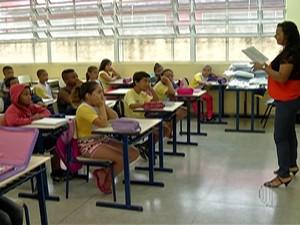 Volta às aulas na rede municipal de ensino, em Mogi das Cruzes (Foto: Reprodução/ TV Diário)