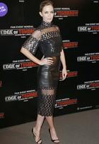 Look do dia: Emily Blunt aposta no couro e transparência em première