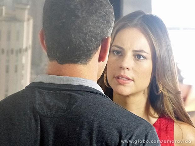 Paloma está determinada a desmascarar Aline (Foto: Amor à Vida/TV Globo)