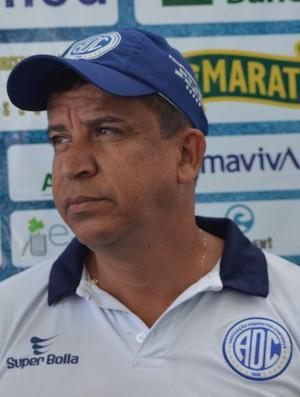 Carlinhos, preparador físico do Confiança (Foto: Felipe Martins)