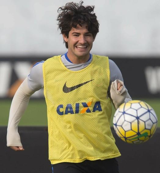 voo do pato (Daniel Augusto Jr/ Ag. Corinthians)