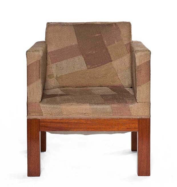 Sonia Delaunay: Dining-room chair in wood, toile with wool embroidery, and velvet, circa 1923 (Foto:  COPYRIGHT LES ARTS DÉCORATIFS, PARIS/JEAN THOLANCE)