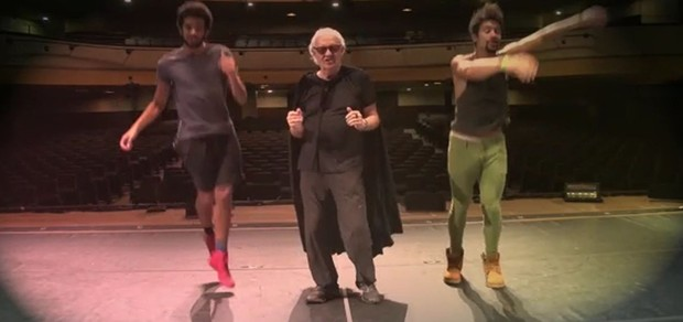 Ney Latorraca divulga musical Vamp e faz paródia de Deu Onda (Foto: Divulgação/MNiemeyer Assessoria)