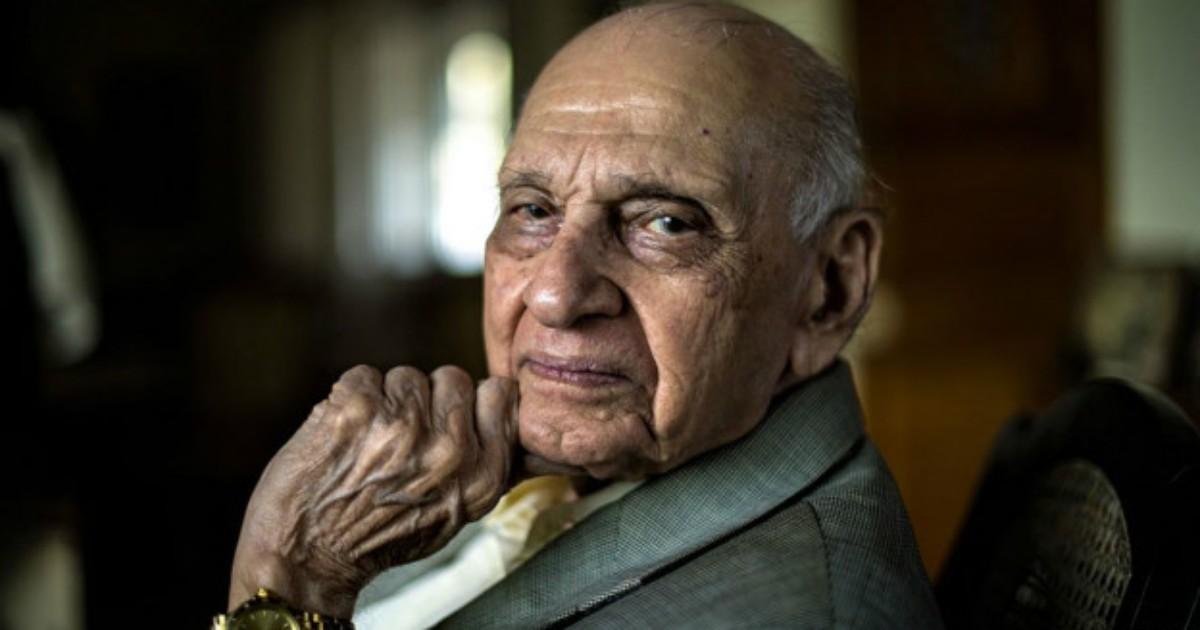 Guru do sexo de 90 anos faz sucesso com respostas diretas na Índia