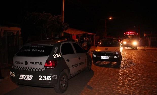 Dupla invadiu casa e atiou 15 vezes contra homem que dormia ao lado de mulher e filha (Foto: Marcelino Neto)