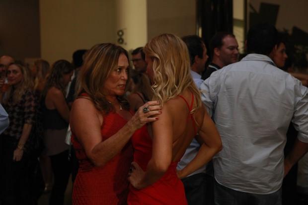 Carolina Dieckmann e Susana Vieira (Foto: Anderson Barros / Ego)