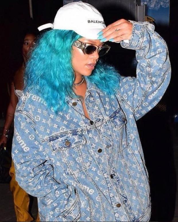 Rihanna com novo look (Foto: Reprodução / Instagram)