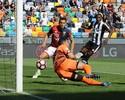 VÍDEO: Goleiro Rubinho engole frango e sofre gol olímpico em derrota do Genoa