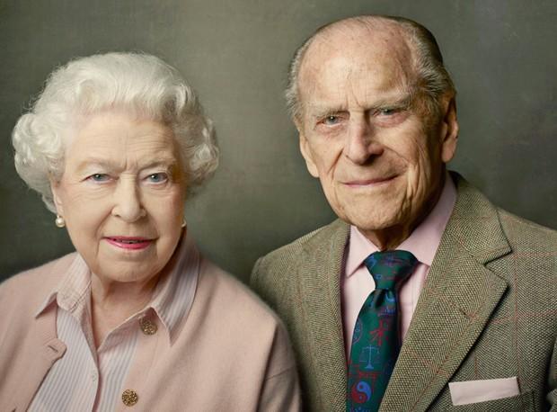 Rainha Elizabeth e o marido, príncipe Philip (Foto: Annie Leibovitz)