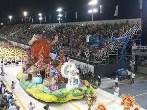 Piedade toma Sambão do Povo, no carnaval de Vitória. (Foto: Amanda Monteiro/ G1ES)