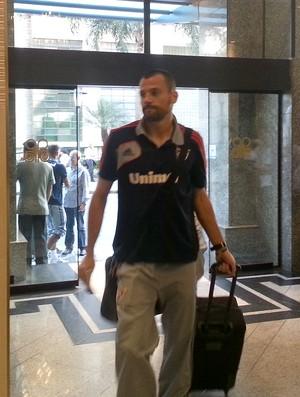Diego Cavalieri desembarque Fluminense em Curitiba (Foto: Rafael Cavalieri)
