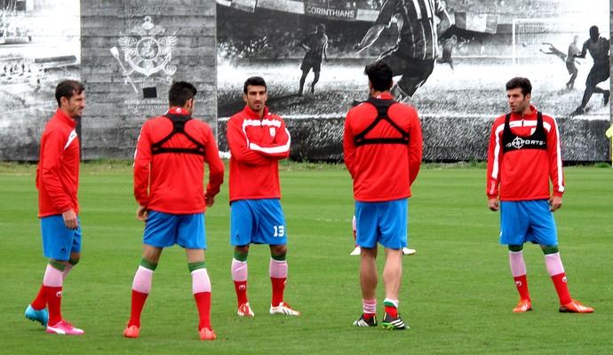 Jogadores do Irã treinam no CT do Corinthians (Foto: Rodrigo Faber )