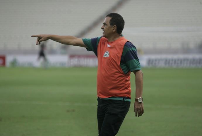 Francisco Diá, técnico do Icasa (Foto: Alex Costa/Agência Diário)