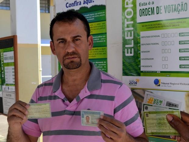 Marcelo Antônio de Oliveira, eleitor de Piracicaba que não conseguiu votar porque haviam usado seu título (Foto: Araripe Castilho/G1)