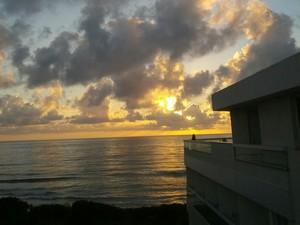 Nuvens devem acompanhar o sol neste sábado (29) (Foto: Carolina Lopes/G1)