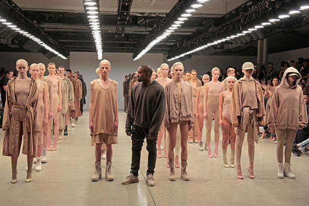 Kanye no desfile de Yeezy-Season 2 (Foto: Getty Images)