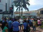 Moradores e prefeita fazem ato contra demissões na Usiminas em Cubatão