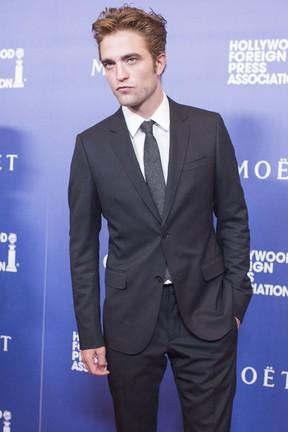 Robert Pattinson em evento em Los Angeles, nos Estados Unidos (Foto: Kevin Winter/ Getty Images/ AFP)