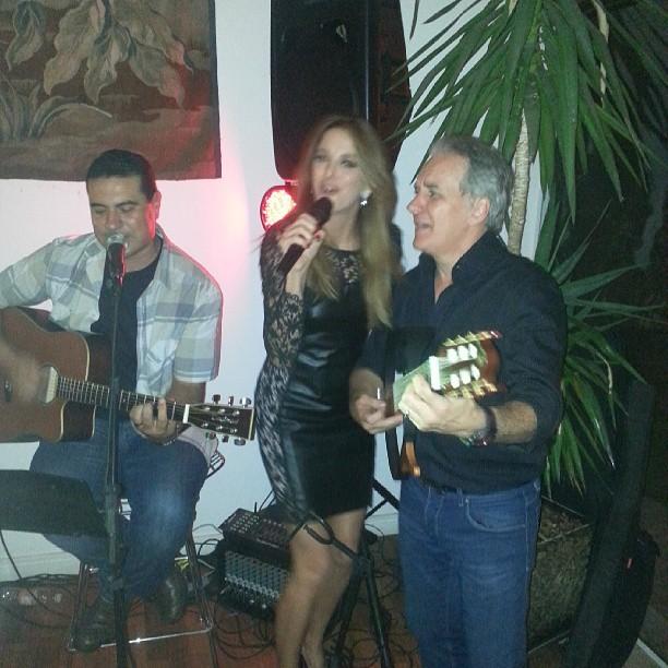 Ticiane Pinheiro canta com Otávio Mesquita em festa em São Paulo (Foto: Instagram/ Reprodução)