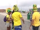 Cara pintada, óculos e chapéus: veja a moda da torcida no Parque Olímpico