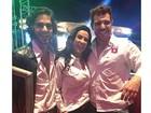 Scheila Carvalho usa short curtinho em festa com Fiuk e ex-BBB Cézar