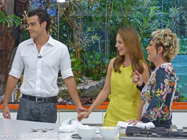 Paolla Oliveira e Joaquim Lopes contam os planos do casal para Ana Maria (Foto: Mais Você / TV Globo)