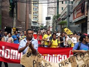 Protesto de servidores em Campinas (Foto: Fernando Pacífico/G1)