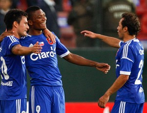Charles Aranguiz, Junior Fernandes e Marcelo Diaz Universidad de Chile (Foto: AP)