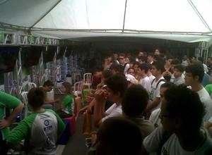 Jogadores aguardavam o início das disputas em Sorocaba  (Foto: Mariana Lanfranchi/G1)