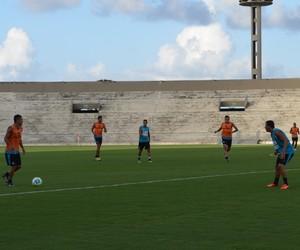 Treino do Botafogo-PB, Zé Leandro (Foto: Amauri Aquino / GloboEsporte.com/pb)