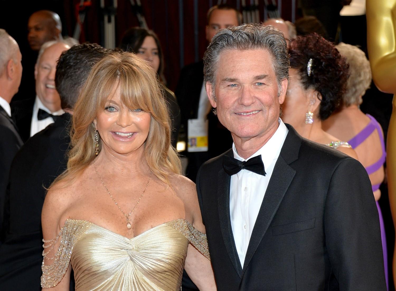 Os atores Goldie Hawn, de 68 anos, e Kurt Russell, de 63, se conheceram em 1983. Estão unidos e firmes desde então. Mas nem pensam em se casar. Eles têm um filho juntos, Wyatt. (Foto: Getty Images)