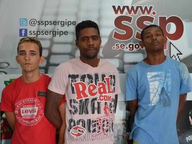 Trio foi identificado por testemunhas após ser preso por sequestrar estudante em Laranjeiras (SE) (Foto: Marina Fontenele/G1)