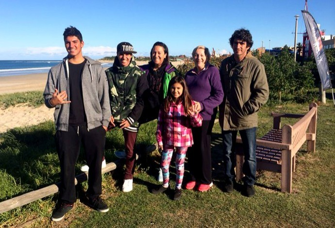 Familia de Gabbriel Medina unida (Foto: Carol Fontes)