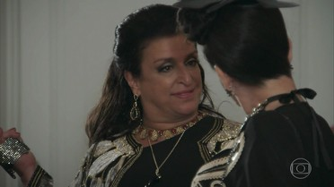 Teodora sente ciúme de Epaminondas com Safira