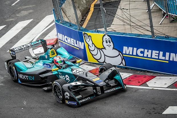"""Nelsinho Piquet terá o desafio de repetir o pódio de 2015 e será bastante especial, afinal a etapa deste sábado nas ruas de Monte Carlo será uma corrida praticamente """"em casa"""" (Foto: Divulgação/FIA Formula E)"""