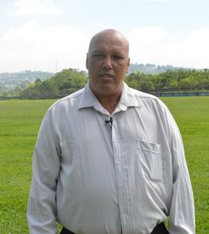 Jorge Firmo, presidente do Usac, na reapresentação da equipe (Foto: Bruno Rocha)