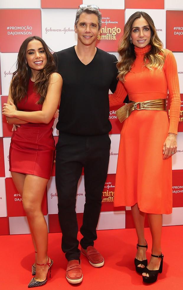 Anitta com Márcio Garcia e a mulher, Andréa Santa Rosa (Foto: Manuela Scarpa/Brazil News)